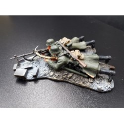 2 soldats d'infanterie Allemands, Wehrmacht, tirant mitrailleuse MG34