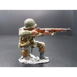 Soldat d'infanterie Américain, tirant au fusil, Ardennes-Bastogne 1944