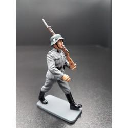 Soldat d'infanterie Allemand au défilé, WW2