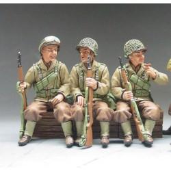 3 soldats d'infanterie Américains assis, Normandie 1944