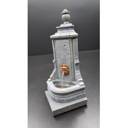 Décor-diorama, fontaine d'angle pour figurines 54-60mm