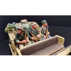 3 panzergrenadiers Allemands assis, 1944-1945
