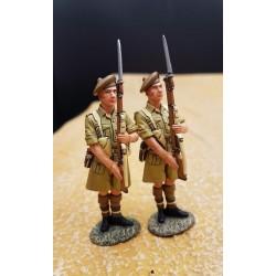 2 Gordon highlanders Ecossais au présenter-armes, TEL EL KEBIR, 1942, Afrique du nord