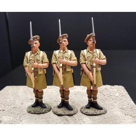 3 Gordon highlanders Ecossais au présenter-armes, TEL EL KEBIR, 1942, Afrique du nord