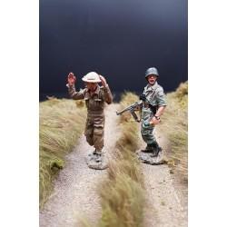 Parachutiste Allemand, fallschirmjäger, et un prisonnier Britannique