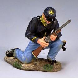 """Soldat d'infanterie Américain de l'Union, """"nordiste"""", chargeant sun fusil"""