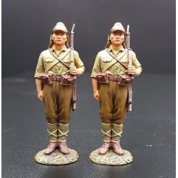 2 soldats d'infanterie Japonais à la garde, 1938-1945