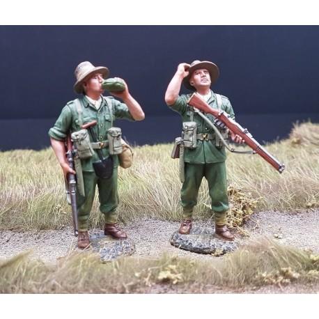 2 soldats d'infanterie Australiens au repos, Pacifique 1941-1945