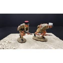 2 légionnaires Français en progression, Afrique du nord, 1942