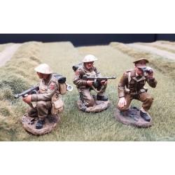 Officier et 2 sous-officiers Britanniques en observation, France 1940