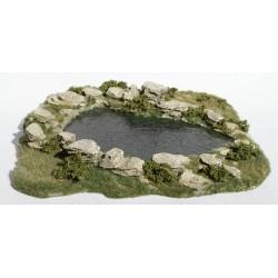 Décors, dioramas, petit étang naturel