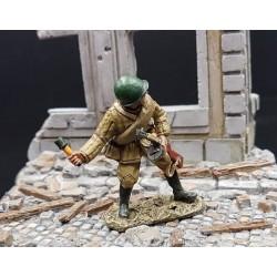 Soldat d'infanterie soviétique au combat, bataille de Berlin 1945
