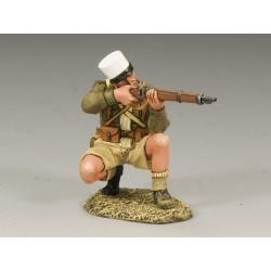 Légionnaire Français tirant au fusil, agenouillé, Afrique du nord, 1942