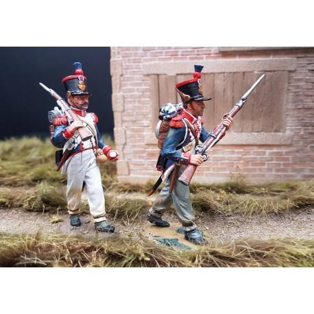 2 fusiliers d'infanterie de la ligne Français en progression, 1804-1815