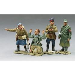 Chute de BERLIN 1945, 2 soldats NKVD et 2 soldats Allemands prisonniers
