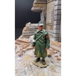 Infirmier Allemand de la milice populaire du Volksturm, Berlin, 1945
