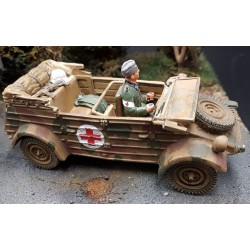Kübelwagen, service de santé, avec son conducteur, Normandie, été 1944