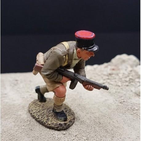 Sous-officier de la légion étrangère Française en progression, Afrique du nord, 1942