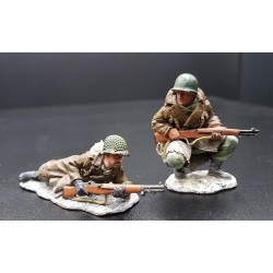 BBA012,2 soldats d' infanterie Américains, Ardennes hiver 1944-1945, en observation